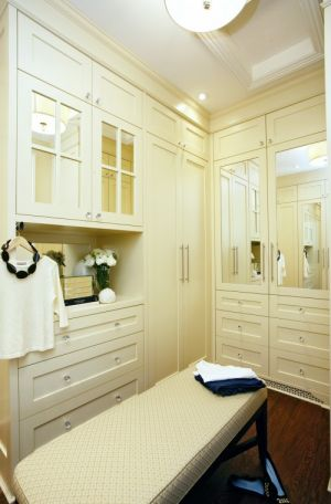 Rich and famous closets - via houzzdotcom.jpg