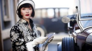 Vintage fashion - Essie Davis as Miss Fisher - 1920s fashion.jpg