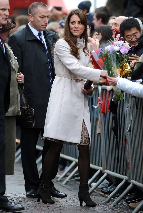 Kate Middleton vs Kim Kardashian