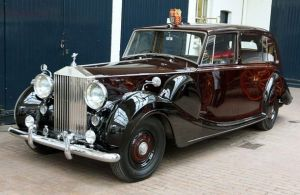 An H J Mulliner bodied 1950 Rolls Royce Royal Phantom IV will carry the Prince of Wales and Duchess of Cornwall on the wedding day.JPG