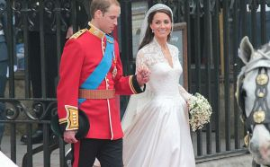 Pictures of kate middleton wedding dress - william and kate royal wedding.jpg