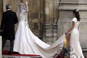 wedding coverage - kate and williams - 2011 wedding - Kate Middleton wedding dress.jpg