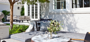 gwyneth paltrow chris martin home garden brentwood - outdoor dining.PNG