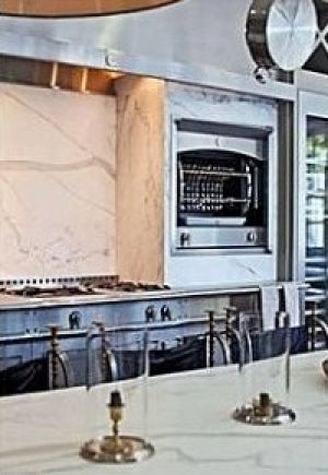 paltrow-kitchen-3-Mandeville Canyon Los Angeles.jpg