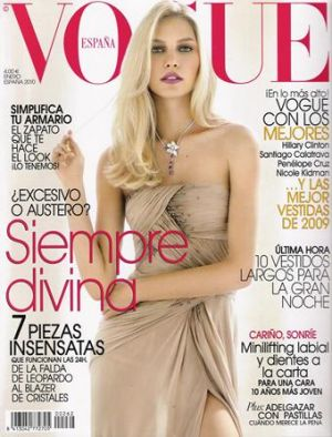 Vogue magazine covers - mylusciouslife.com - Vogue Espana January 2010.jpg