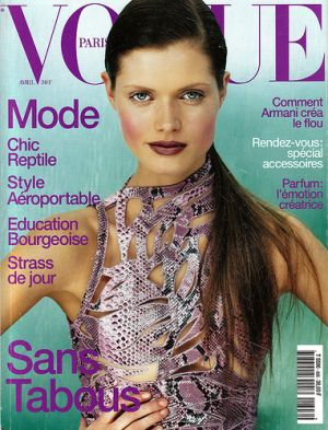 Vogue Paris April 2000 - Malgosia Bela.jpg