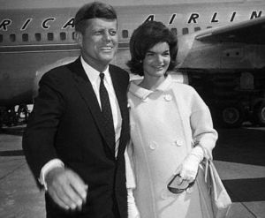 Best celebrity maternity style - jackie kennedy pregnant with jfk.jpg