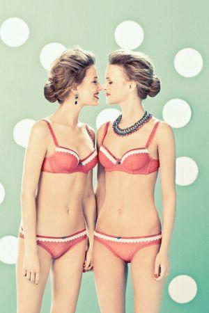 vanity-fair-italia-segreti-tra-amiche-secrets-between-girlfriends-8.jpg