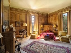 Grand houses of the rich and famous - Duke of Westminster bedroom - La Pausa.jpg