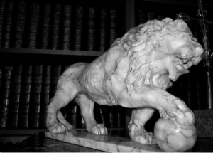 Pictures - rue de cambon paris - Chanel marble lion.png