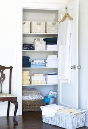 Home organisation ideas - mylusciouslife.com - linen closet.jpg