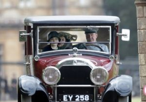 Shirley-MacLaine-Downton-Abbey-London-England.jpg