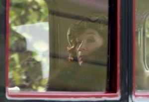 Shirley-MacLaine-Filming-Downton-Abbey-London-England.jpg