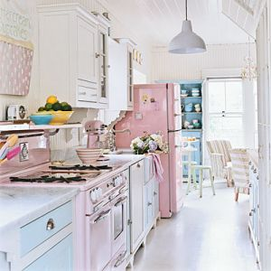 Preppy pink interior from coastalliving.com - photo by Deborah Whitlaw Llewellyn.jpg