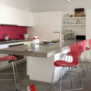 White-and-Hot-Pink-Kitchen-from-Fritz-Hansen-at-Karkula.jpg