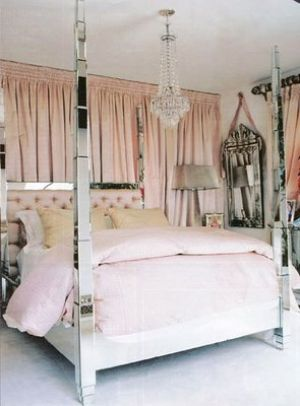pink decorating ideas - myLusciousLife.com - paris hilton bed.jpg