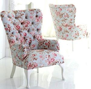 Beautiful floral prints - www.myLusciousLife.com - morning-chair.jpg