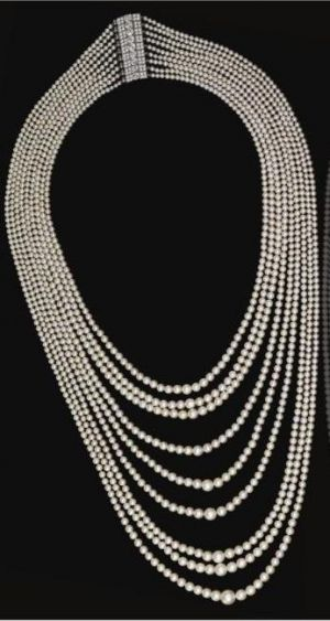 nine-strand-natural-pearl-festoon-necklace-sothebys-auction.jpg