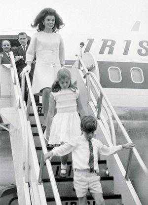 jackie-kennedy-arrives-in-ireland-land-of-her-maternal-ancestors-in-june-of-1967.jpg
