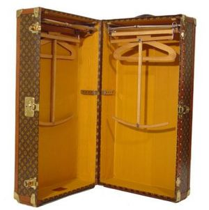 Vintage luggage - mylusciouslife.com - Louis Vuitton Wardrobe 1930.jpg