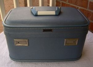 Vintage luggage - mylusciouslife.com - Vintage 1962 Wheary Train Case - A Hartmann Luggage Company.jpg