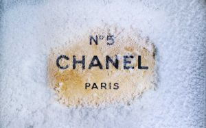 Christmas in Paris- mylusciouslife.com - chanel-fashion-paris-snow.jpg